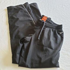 Nike Windbraker Pants size Small